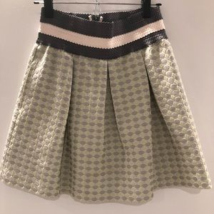 Small structured high waist skirt by Maeve